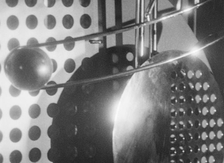 Lichtspiel Schwarz-Weiss-Grau (László Moholy-Nagy, 1930)